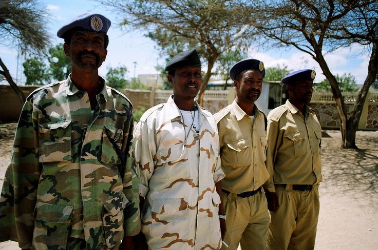 https://flic.kr/p/5g6tPa | no inspection required | representatives of the somaliland government. army & police. - 9 February 2008