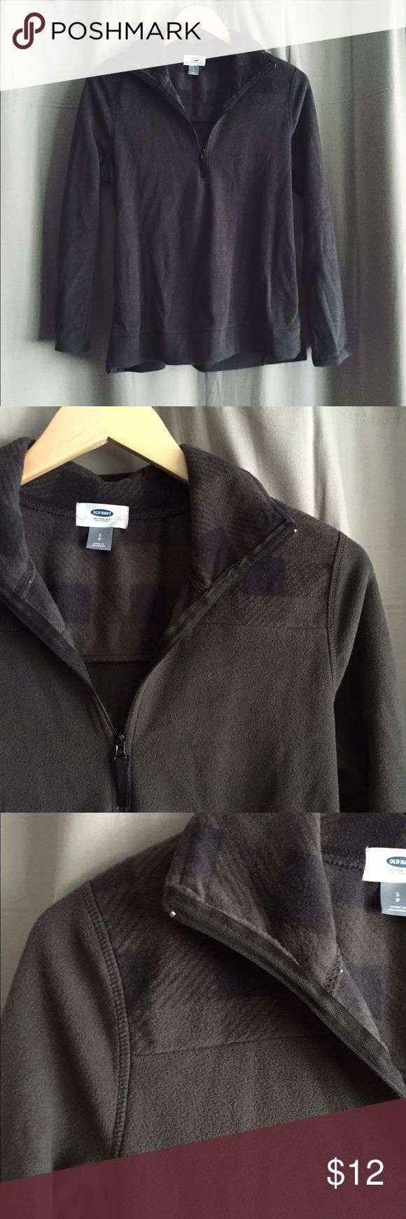 Old Navy fleece pullover Old Navy charcoal gray fleece quarter zip pullover sweater. Size small Old Navy Sweaters