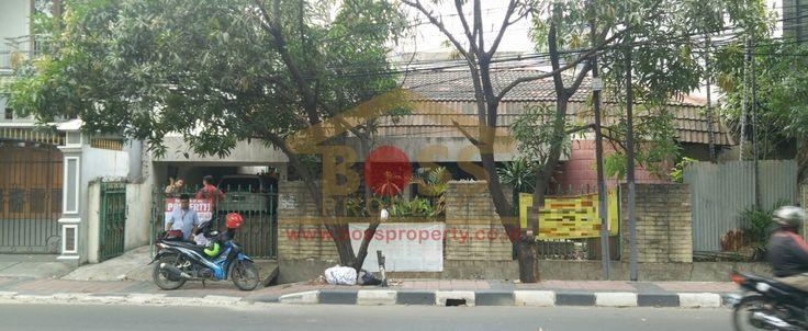 DiJual Rumah Tua di Jalan Raya Ramai Duri Kepa Jakarta Barat