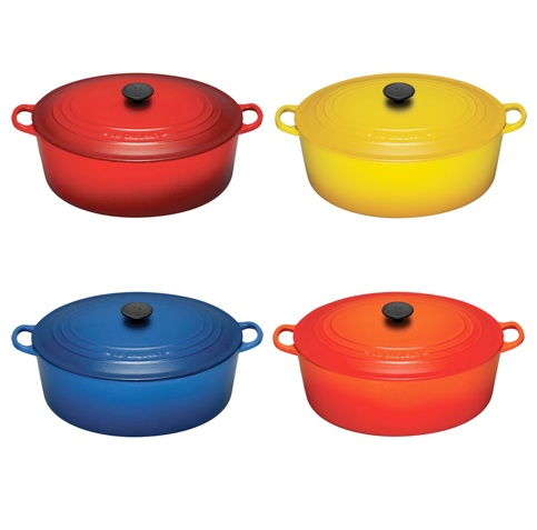 Dutch Oven.....I am so getting one! Costco has them now!: Irons, Dutch Ovens, Crock Pots, Colorful Pots, Blue, Colors, Crucible, Christmas, Cooking Tips