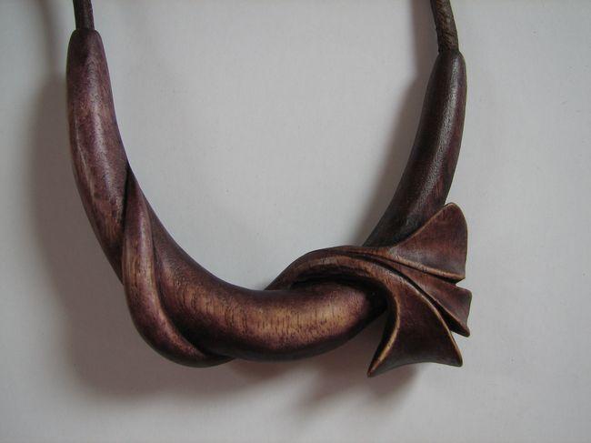 Náhrdelník - mořený ořech