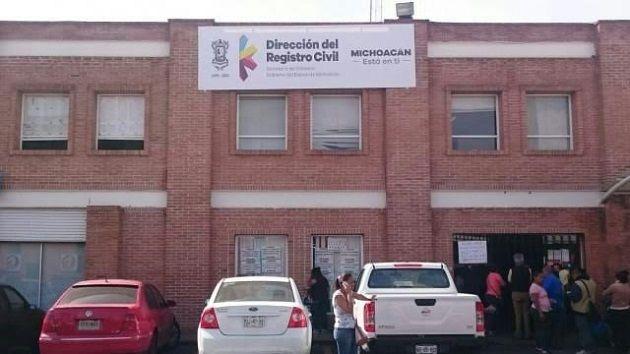 Ahora en Michoacán cada seis meses cualquier ciudadano tendrá que desembolsar 120 pesos por un acta de nacimiento o 255 pesos, si requiere un acta de matrimonio, si es que ...