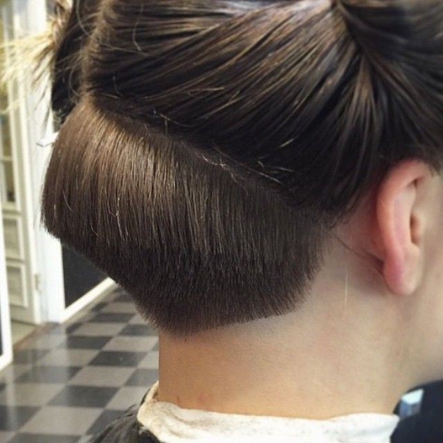 hair styles for professional women hairdresser at work undercut in progress quot nape 2293 | 448a9f543b88b2293e25663343654757