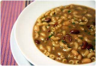 Sopa de feijão à toscana