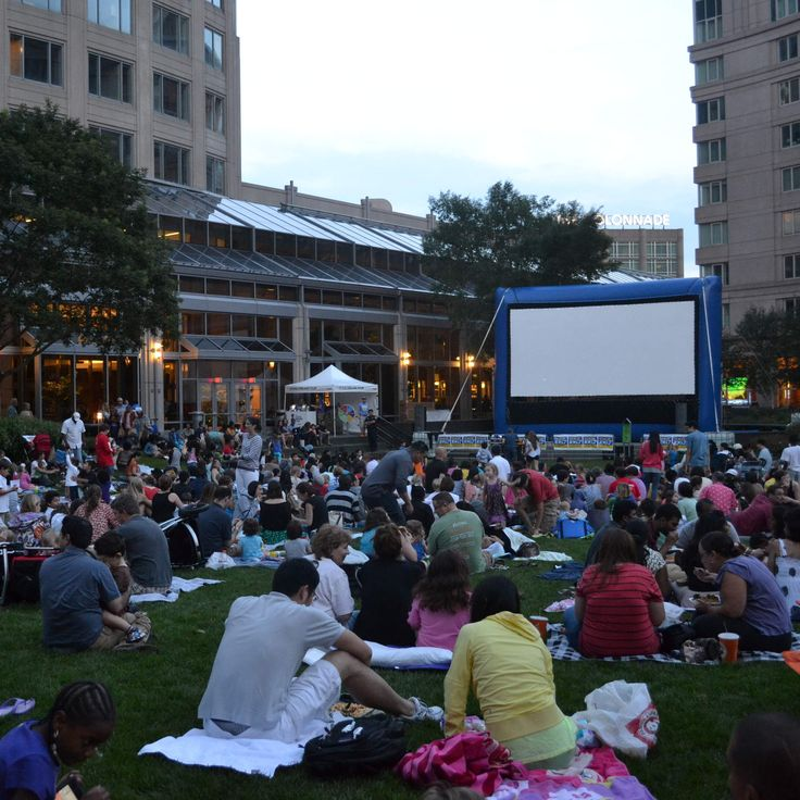 Every Outdoor Movie Screening in Boston, Now in One Calendar