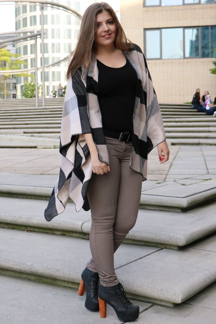 herbstlook-poncho_poncho-erdfarben_about-you-poncho_beiger-poncho_herbstoutfit-beige_outfit-of-the-day_modeblogger-hamburg
