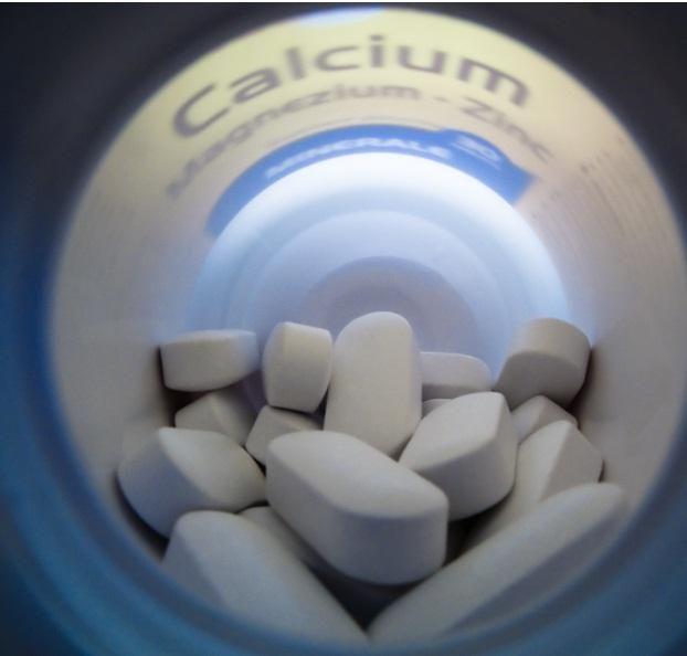 ★ Cómo tomar magnesio para la depresión. Algunas personas con depresión tienen bajos niveles de magnesio, por lo que los investigadores han estudiado si los suplementos de magnesio pueden tratar los síntomas de la depresión. Los estudios del...