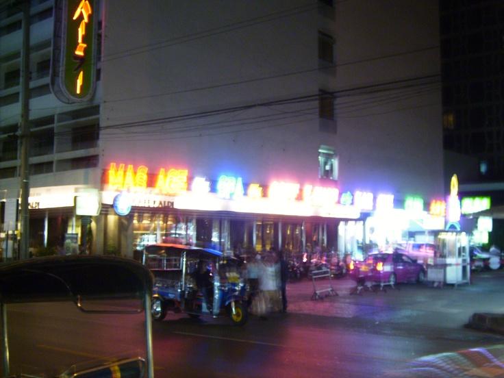 Οne night in Bangkok