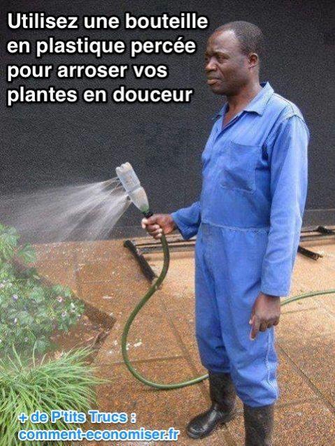 L'Astuce Pour Arroser Vos Plantes en Douceur Avec Un Tuyau d'Arrosage.