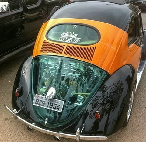 Classic VW - Flat 4 Under Glass