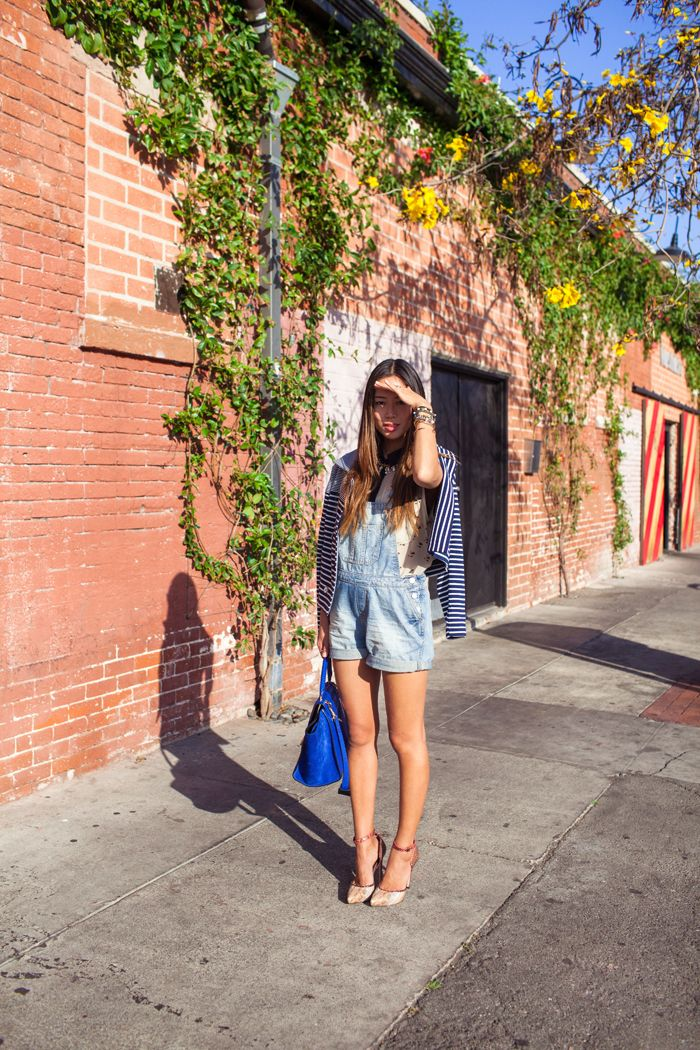 Who would have thought overall shorts could look so darling with a flirty top, blazer and heels ?!?