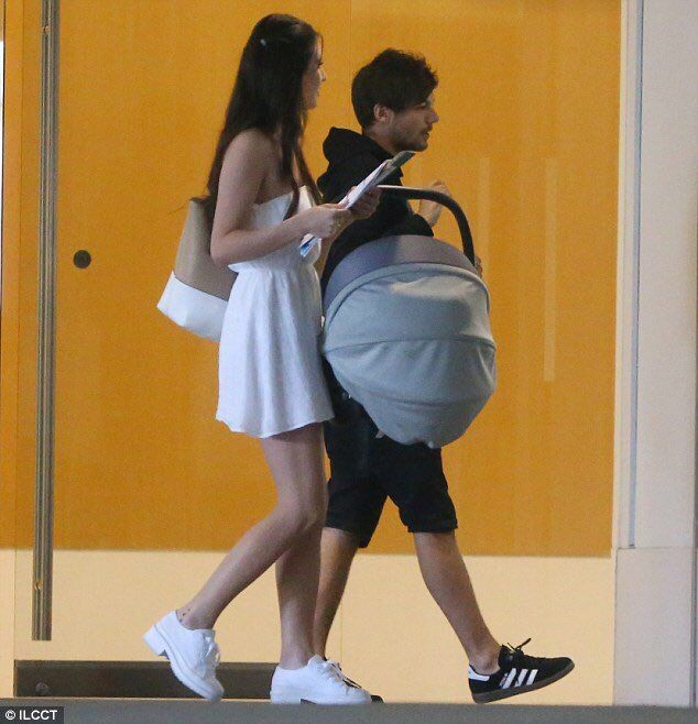 louis tomlinson and briana jungwirth relationship marketing