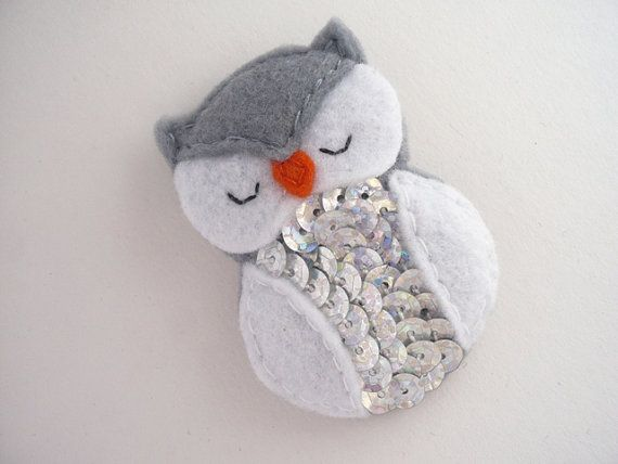 Felt owl brooch - gray and  white  animal pin - felt bird brooch - felt barn owl pin - owl with sequins  by Ynelcas  $12