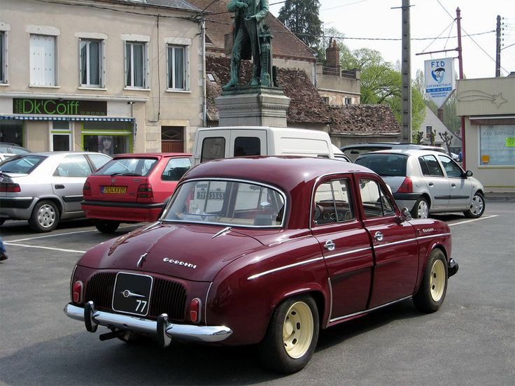 25 best ideas about renault dauphine on pinterest renault dauphine gordini renault 4 and. Black Bedroom Furniture Sets. Home Design Ideas