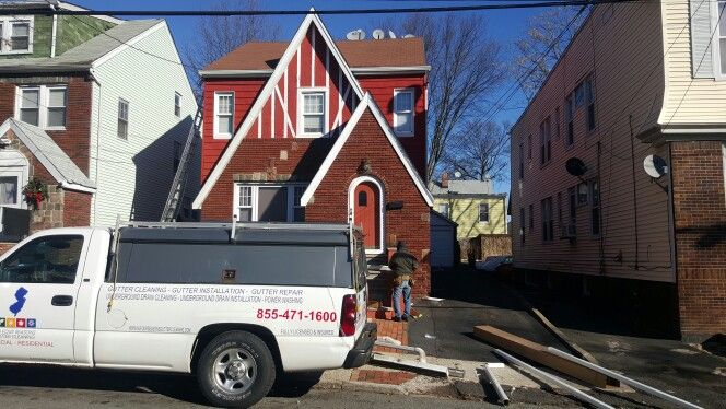 Gutter Installation In Newark Nj 855 471 1600 Www Njfourseasonsguttercleaning Com Email Us At Support Njfourseasonsguttercleaning Com Gutter G Gutter Repair