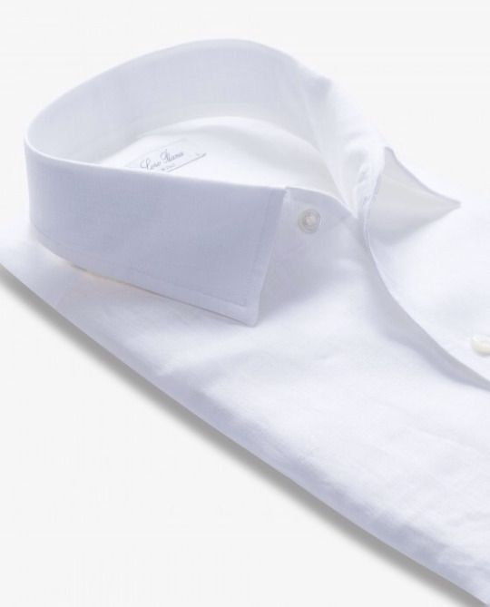 Linnen shirt by Loro Piana.