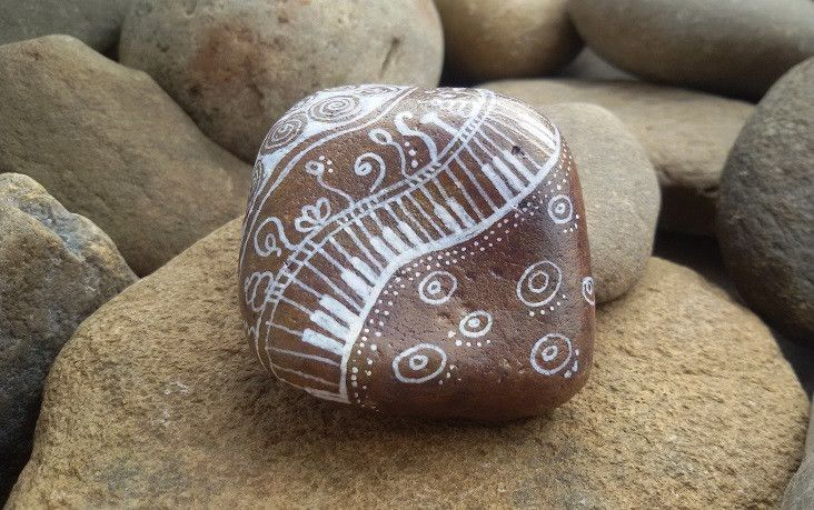 """Deko-Objekte - Stein """"Herztöne""""-Zentangle®-Art,Geschenk-Deko - ein Designerstück von PetiteMaman-Atelier bei DaWanda"""