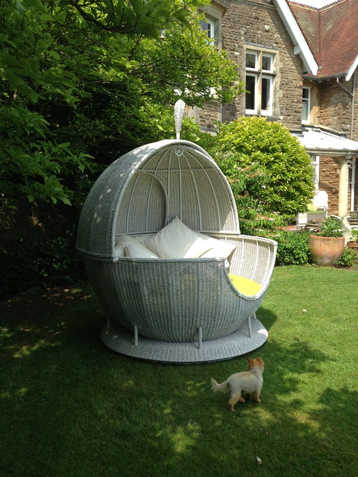 Rotating daybed in a customers garden. Same daybed can be seen at Chelsea Flower Show