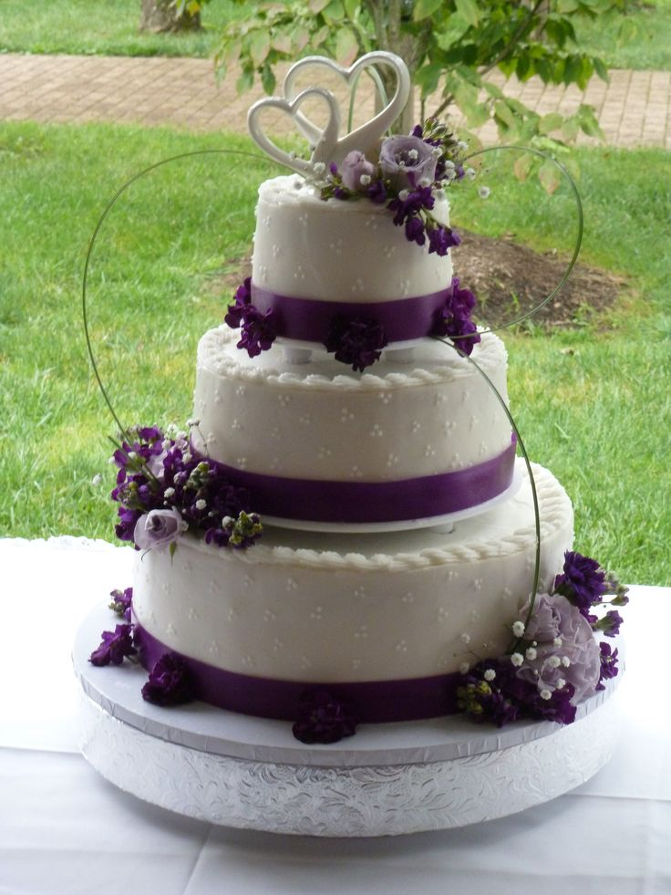about cake on pinterest lodge wedding types of frosting and wedding