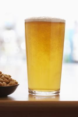 List Of Low-calorie Beers   LIVESTRONG.COM