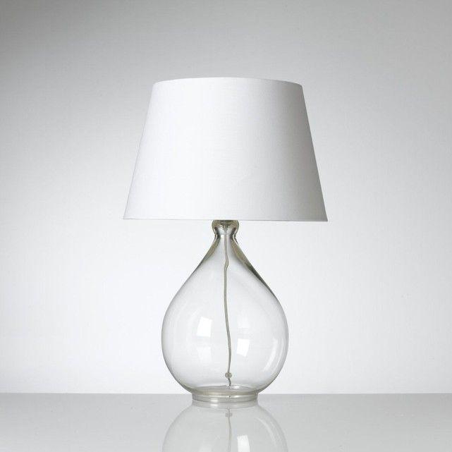La lampe à poser Izza : la transparence élégante et originale d'un pied tout en verre dans lequel vient s'enrouler un fil électrique également tout en transparence !Description de lampe à poser Izza : Pied en verreAbat-jour en cotonCordon électrique en plastique Caractéristiques de lampe à poser Izza : Pied base transparentCordon électrique transparentDouille E14 pour ampoule 40W max. (non fournie)Ce luminaire est compatible avec des ampoules des classes énergétiques : #LampPied
