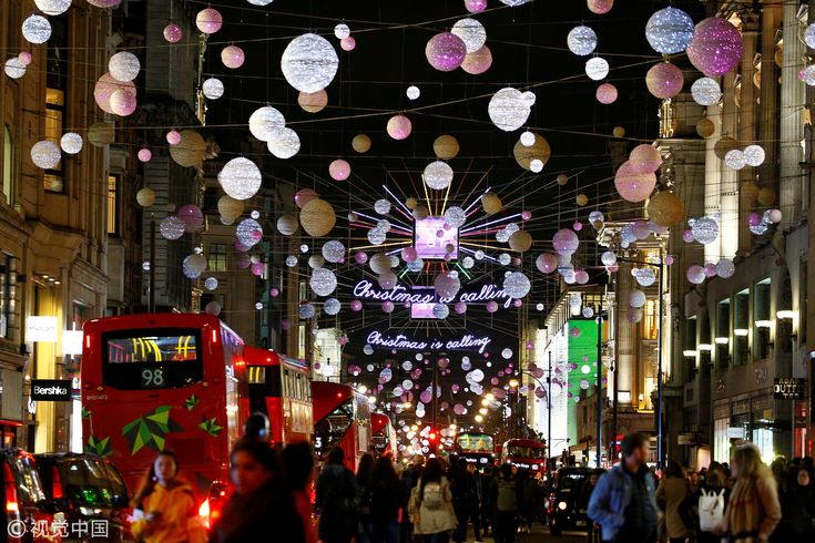 Oxford Street Known As London S Busiest Shopping Street Was Lit Up By Christmas Lights As The Holi Thanksgiving Getaways Christmas Lights Thanksgiving Travel