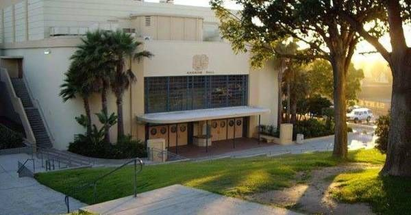 Famous Santa Monica High School Alumni/Students