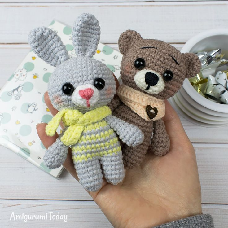 Free crochet animal patterns – Amigurumi bunny and bear