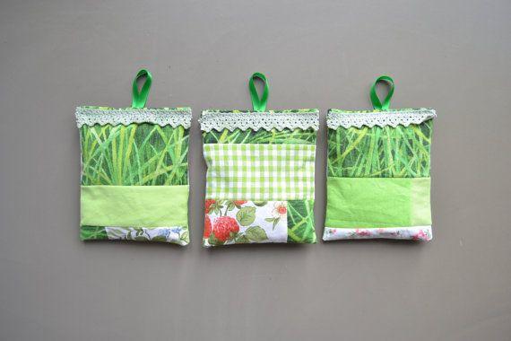 green patchwork lavender sachets - garden lavender sachets - mothersday gift - hostess gift - bedroom fresh - sachets with loop - lavender #lavender #fragrance #sachets