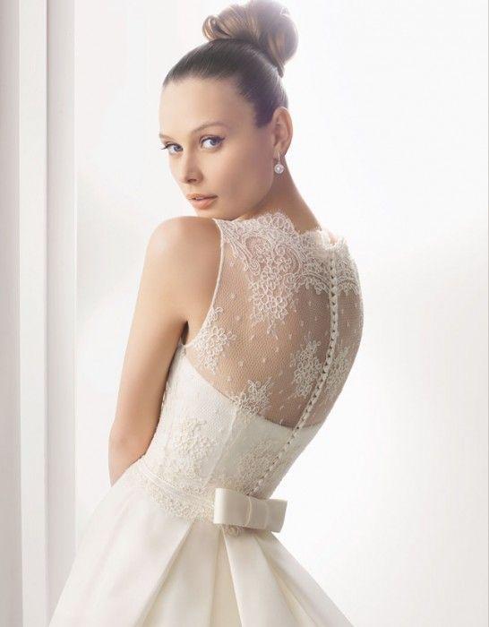 hermoso  vestido de novia con espalda de encaje muy femenino
