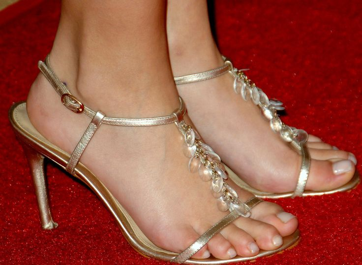 Hayden Panettiere Feet In Size 5 Sandals Hayden