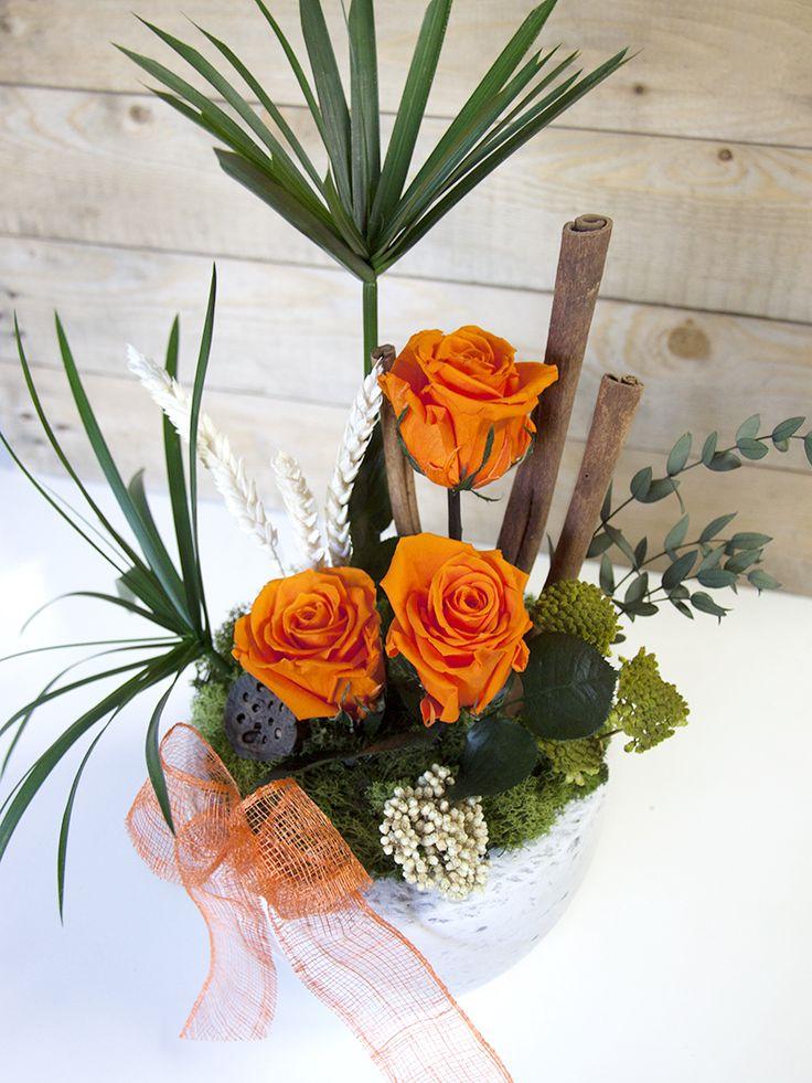 Un poco de colorcillo para el verano!  http://clorofila.shop/es/composiciones-de-rosas-preservadas/26-composicion-summer.html #clorofila #clorofilashop #flor #florpreservada #rosa #rosapreservada #rose #ceremonia #evento #eventosoriginales #regalosoriginales #regaloevento #regalo #regalooriginal #regalonovia #detalle #boda #detalleboda #detallesdeboda #regaloinvitados #deco #decoracion #ideasdeco #decoracioninterior #hechoamano #decoraciondeinteriores #summer #naranja #floresnaranja