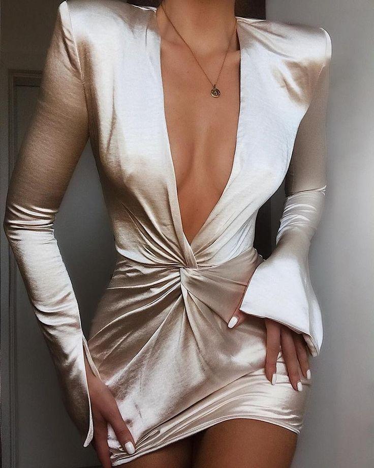chicme / Vestido de puño con abertura y diseño torcido