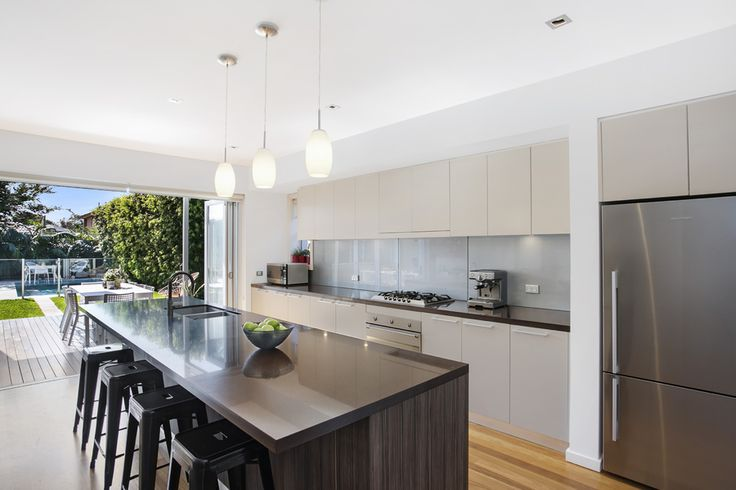 34 Fitzgerlad Ave. Maroubra 4 Bed 3 Bath 4 Car  http://www.belleproperty.com/buying/NSW/Eastern-Suburbs/Maroubra/House/14P2047-34-fitzgerald-avenue-maroubra-nsw-2035
