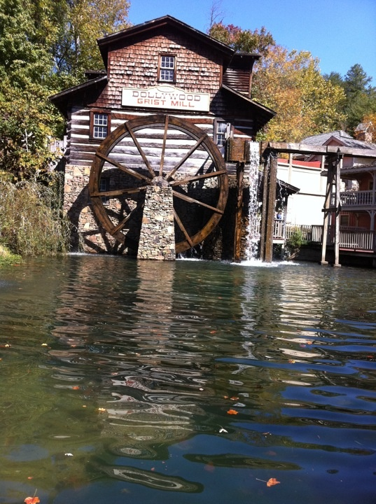 22 best water wheel mill images on pinterest water for Mountain flower cabin pigeon forge