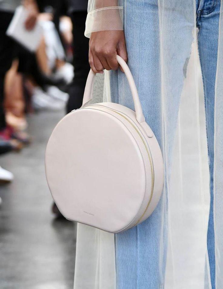 tassen met geometrische vormen