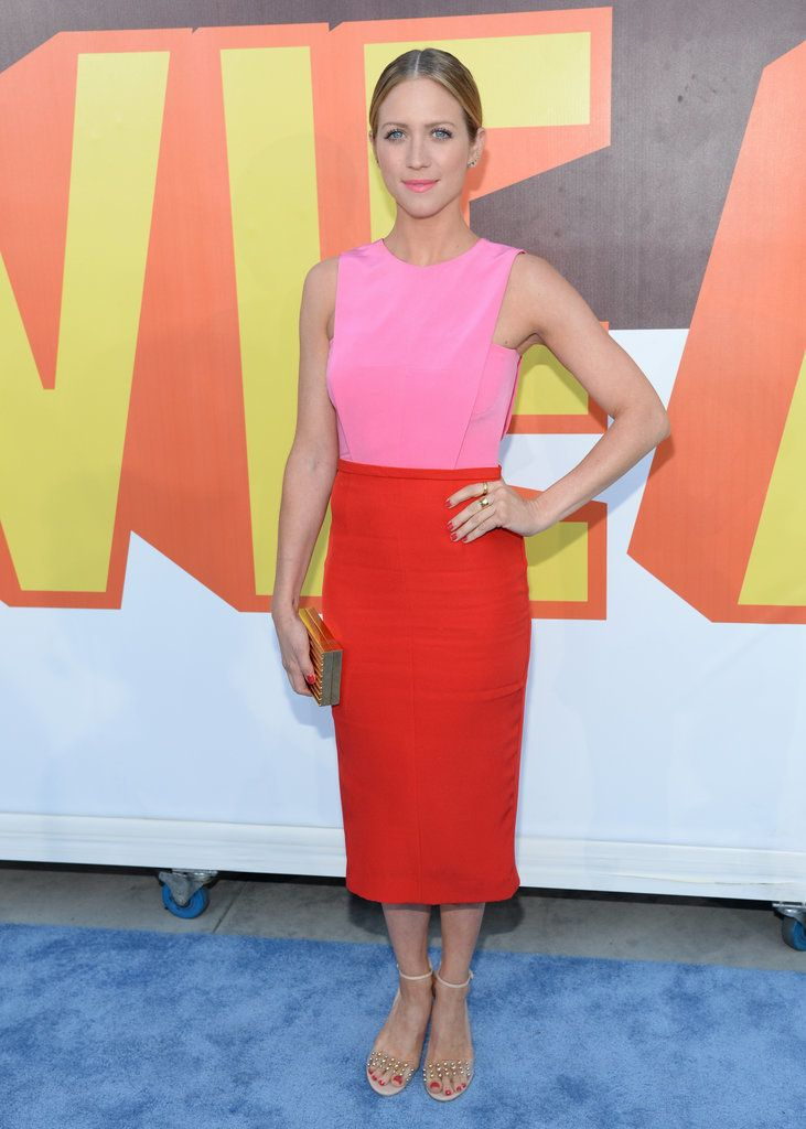 Brittany Snow looked pretty in pink at the MTV Movie Awards. See all the stars' red carpet arrivals!