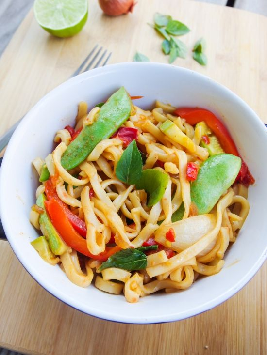 Spicy basil noodles recipe, inspired by Thai drunken noodles but made vegan and with simple ingredients. Gluten-free if rice noodles are used.