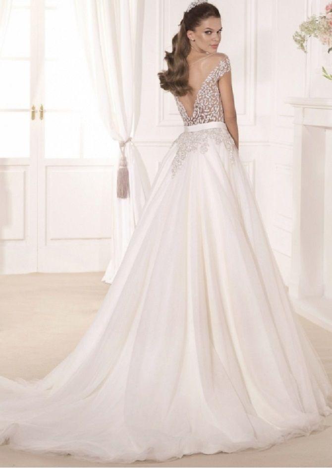 Deep v-back wedding dress on ball gown wedding dress #weddingdress #weddingdresses #ballgown #bridaldress #bridalgown