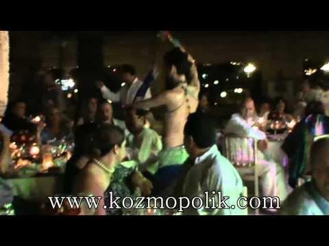 Çırağan sarayı-Turkkish male belly dancer