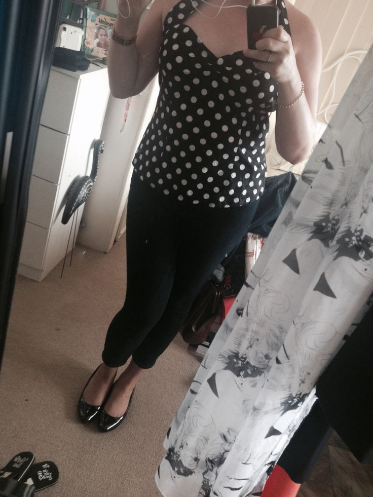 Crop Jeans, polka dot halter and black wedges.