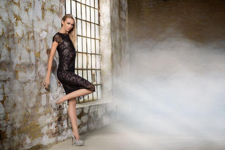 Dwuwarstwowa sukienka z siatką. Mesh double-layer dress. http://www.bee.com.pl/e-sklep/