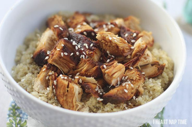 Slow cooker honey sesame chicken with quinoa on iheartnaptime.net ... super easy to make and absolutely delicious! #recipes