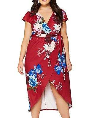 6c9b50f6be7 QUIZ CURVE Plus Cap-Sleeve Floral Wrap Dress On-trend dress with an allover
