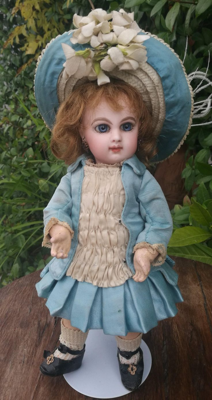Very RARE Jumeau doll , EJ depose size 1 , high 11 inches about (23 cm)