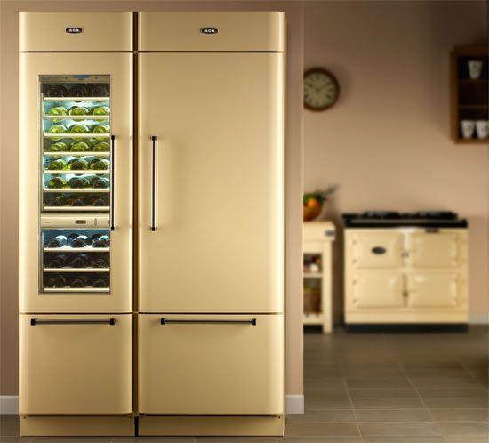 Wijnklimaatkast gecombineerd met een koelkast van AGA.