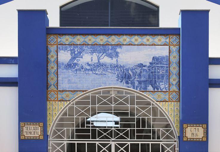 Jorge Colaço | Almodôvar | Mercado Municipal / Municipal Market | 1936 [© Joana Brandão de Almeida] #Azulejo #AzulejoDoMês #AzulejoOfTheMonth #Trabalho #Labour #JorgeColaço #Almodôvar