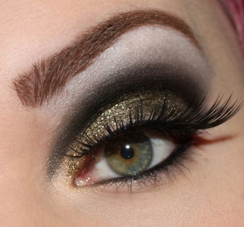 gold, black, and white eyes: Burlap Wreaths, Makeup Trends, Eye Makeup, Dramatic Eye, Color, Eyemakeup, Eyeshadows, Smokey Eye, Green Eye