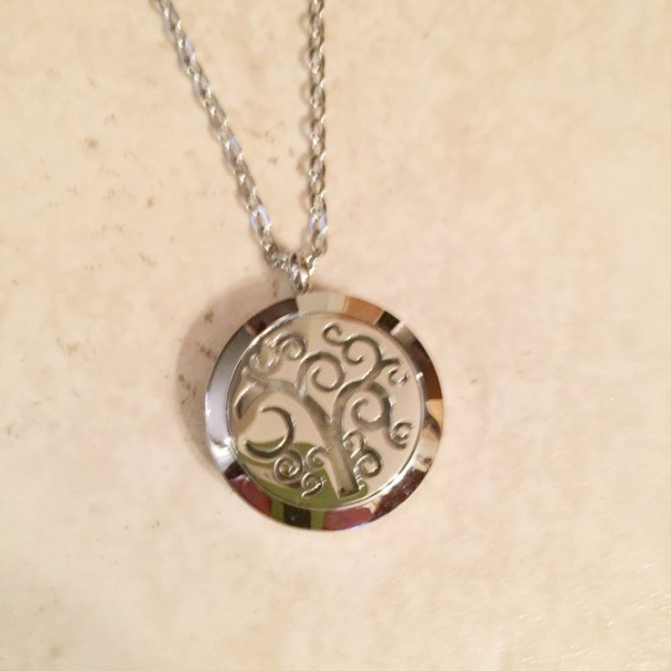 Diffuser Necklace - Tree of Life Scroll