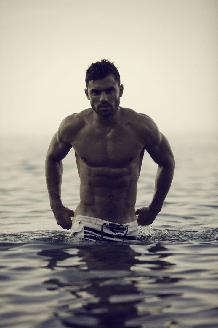 Ovako zamišljam osobu iznad  - Page 2 448eb127468989c862567e5d1f89fb40--sexy-wet-perfect-guy
